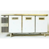Холодильный стол Zanussi RCSN3M3