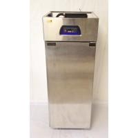 Холодильный шкаф EWT INOX R700 б/у